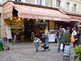Davoli, an institution and the best choucroute in Paris